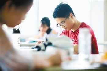 西安工业大学考研学霸 收到8所院校录取通知书